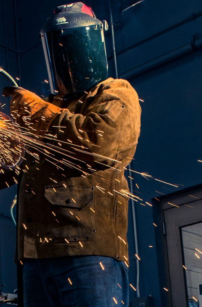 welding 2000 x 1300